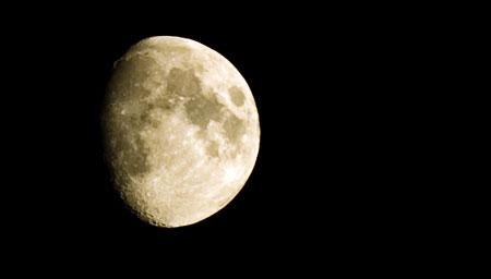 Mond über meiner Terrasse, gestern 21:15 h Ortszeit