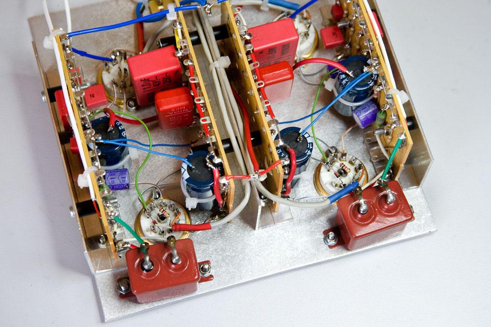 zwei PIO-(paper in oil)-Kondensatoren am Ausgang der RIAA