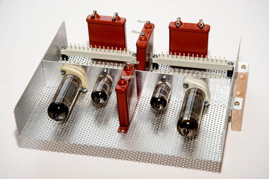Röhrenmodul für den Neuaufbau der EL84-Endstufe. Bild 2