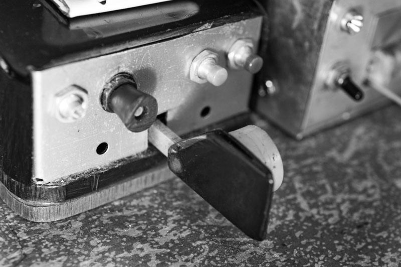 Eine der vielen elektronischen Morsetasten, die Wim im Laufe der Jahrzehnte gebaut hat