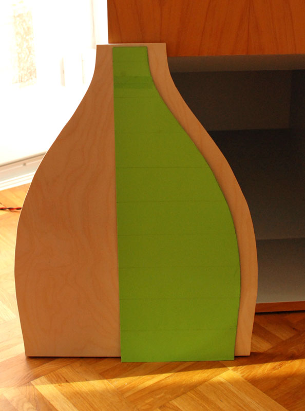 SABA-Cello - Schablone zur Anfertigung der Oberseite - Foto: Frank E.